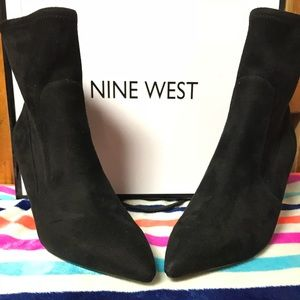 Size 9 Nine West suede boots